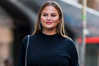 Chrissy Teigen How The Model Became A Social Media Phenomenon